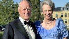 Prinsesse Benediktes mand, prins Richard, er blevet opereret på Rigshospitalet torsdag for en udposning på legemspulsåren. Operationen, der blev udført overlæge, dr. med. Ulf Helgstrand, forløb tilfredsstillende, lyder det fra hoffet. Ulf Helgstrand er en god bekendt af prins Richard og prinsesse Benedikte fra hestesportsmiljøet.