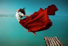 Conceptual and Dreamlike Portrait Photography by Svetlana Belyaeva Artistic Fashion Photography, Portrait Photography, Creative Photography, Amazing Photography, Motion Photography, Levitation Photography, Colour Photography, Water Photography, Animal Photography