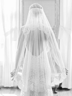 Photography: Amy Arrington Photography - www.amyarrington.com  Read More: http://www.stylemepretty.com/southeast-weddings/2014/03/20/classic-burge-plantation-wedding/