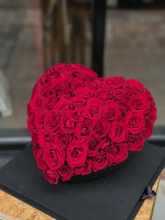 Red Color, Flower Arrangements, Heart, Cake, Flowers, Floral Arrangements, Pastel, Kuchen, Flower Arrangement