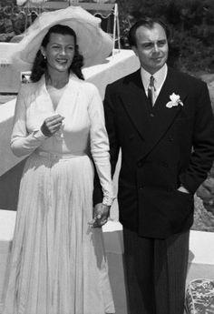 Rita Hayworth and Ali Khan on their wedding day in Valluris