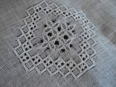 hilo刺繍教室-アーカイブス/ギャラリー2…2012 Drawn Thread, Thread Work, Embroidery Patterns, Hand Embroidery, Cut Work, Needle Lace, Linen Tablecloth, Bargello, Needful Things