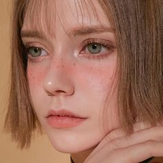 Meet Chloe, The Gorgeous German Model That Looks Like An Elf Aesthetic People, Aesthetic Girl, Face Aesthetic, Girl Face, Woman Face, Most Beautiful Faces, Beautiful Eyes, Grunge Hair, Aesthetic Makeup