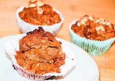 Who rather has dry cereal for breakfast and not fluffy Carrot Apple Muffin. They are the perfect snack to take to the office for your afternoon pick me up.