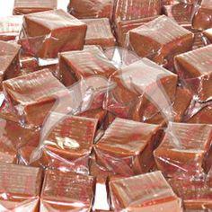 Chefs Muner y Omar las mejores recetas: Caramelos de chocolate caseros Candy Recipes, My Recipes, Dessert Recipes, Desserts, Venezuelan Food, Cookie Table, Cinnabon, Bread Machine Recipes, Candy Cookies