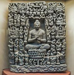 舍衛城神變(或大光明神變)_ZBrush (這尊造像上面共67位人物) 3世紀CE。片岩。