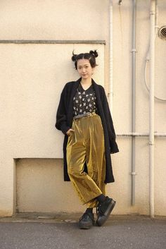 Pants: cropped velvet velvet velvet cropped shoes creepers black creepers tights black shoes