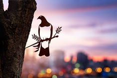 Add a bird silhouettes from Metalbird to your own landscape or give on as a gift. View the collection and get one today. Metal Garden Art, Metal Art, Weathering Steel, Wood Pigeon, Flax Flowers, Forest Habitat, Misty Eyes, Hat Decoration, Metal Birds