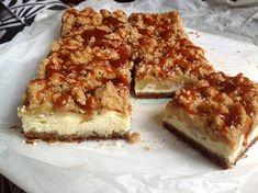 Cheesecake s jablky, drobenkou a slaným karamelem - Víkendové pečení Cheesecake, Croissant, No Bake Cake, Food And Drink, Vegetarian, Yummy Food, Bread, Baking, Sweet