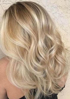 36 Beautiful Blonde Balayage Hair Color Ideas For Summer Sparkle Blonde hair models – Hair Models-Hair Styles Blonde Hair Looks, Blonde Hair With Highlights, Brown Blonde Hair, Hair Color Balayage, Blonde Balayage, Blonde Color, Balayage Highlights, Blond Hair Colors, Blonde Ombre Hair Medium