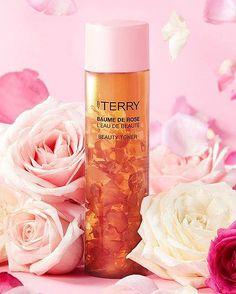 Real Rose Petals, Luxury Cosmetics, Make Up Remover, Rose Oil, Loose Powder, Radiant Skin, Setting Powder, Lip Care, Rose Water