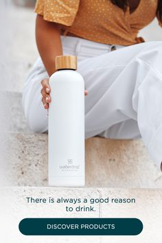 waterdrop® enriches your water with fruit and plant extracts to help you drink more. Cute Water Bottles, Cute Cups, Water Bottle Design, White Aesthetic, Style Vintage, Fashion Outfits, Womens Fashion, Things To Buy, Cute Outfits