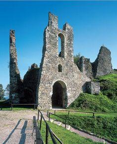 Manor Houses, Medieval Castle, Public Spaces, Abandoned Houses, Tower Bridge, Czech Republic, Screens, Buildings, Places To Visit