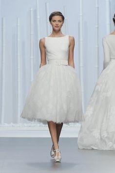 Descubre los vestidos de novia más espectaculares del desfile de Rosa Clará 2016 Image: 29