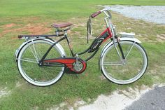 Antique Bicycles, Bicycle Women, Old Bikes, Westerns, Vintage Ladies, Horn, Things To Sell, Old Motorcycles, Horns
