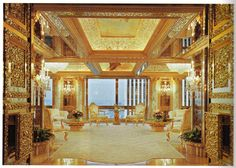 It isn't a piece of gold jewellery but it might as well be. This room looks like a grand painting from the renaissance.