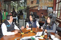 La Radio de la Casa de la Cultura Ecuatoriana, transmitió en vivo todo lo que sucedía en cada escenario de Hecho en Casa, la Fiesta de la Cultura, desde el vestíbulo principal de la Casona, entrevistando al público asistente, a los Artistas y a las Autoridades de la CCE.
