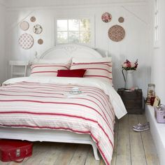 Red and white palette creates a bright modern country mood...