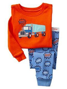 Discover our choice of baby girl sleepers, footedpajamas, little girl portion p j's & more. Boys Pjs, Boys Pajamas, Pyjamas, Cute Outfits For Kids, Boy Outfits, Night Suit, Baby Wearing, Kids Wear, Boy Fashion