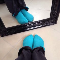 Cold blue leglook