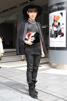 Tokyo Fashion Week streetstyle.