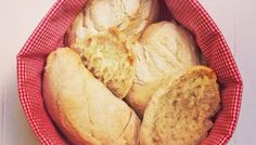 Der Gang zum Sonntagsbäcker war mal - jetzt gibt's frische Bürli aus dem eigenen Ofen!