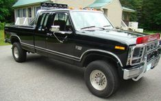 In their hey-day, you couldn't swing a dead cat without hitting a Ford pickup of this vintage. Now it's a classic! This stunning, mostly-original 1985 Ford HD Super Cab XLT Lariat enjoyed a lifetime of garaged slumber. Ford Trucks, Pickup Trucks, Ford Obs, Old Fords, Ford Motor Company, Barn Finds, Mercury, Lincoln, 4x4