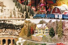 Herald Square - Macy's New York - O Scale Toy Train Layout