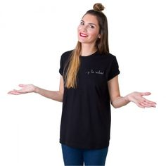 … y lo sabes! | Camiseta negra mujer Un producto confeccionado y bordado de forma artesanal, con un acabado y una terminación hecha a mano. #iconeta #tshirt #camiseta #moda #fashion