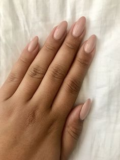 Nude almond nails: Brand- OPI, Color - Tiramisu for two - . Nude almond nails: Brand- OPI, Color - Tiramisu for two - per unghie Ombre Nail Designs, Nail Art Designs, Tattoo Designs, Gorgeous Nails, Pretty Nails, Essie, Acrylic Nails Natural, Natural Almond Nails, Almond Gel Nails