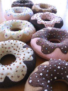 DIY Felt Projects | DIY Felt Sew Your Own Handmade Krispy Kreme style Doughnut Plushie