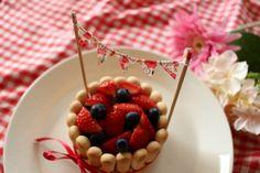 次女1歳になりました!子供が喜ぶ誕生日プレートと、超カンタン&華やか誕生日ケーキでおうちパーティ♪ - ちいさな建売、おしゃれハウスを目指す