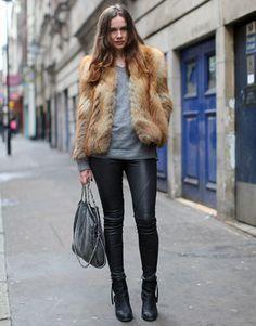 London Street Style - Fall 2011 London Fashion Week Street Style Pictures - Harper's BAZAAR
