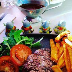 Endelig kjøtt fra stort dyr Finally meat #vikings #meat #north #faroeislands #atlanticairways #eat #kjøtt #mat #food #comida #carne by gummiendene_duck