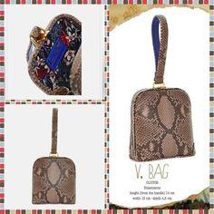 NEW IN!!! @fedorami V.BAG  #clutch#minibag#vbag#FedoraMi#milano#madeinitaly#trueleather#amusshop#amus#newin#instabag#instafashion#italy
