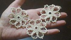Çeyizlik Tığ işi Dantel Motifi Yapımı & Crochet - YouTube Crochet Motifs, Crochet Flower Patterns, Doily Patterns, Crochet Designs, Crochet Doilies, Crochet Flowers, Crochet Lace, Crochet Stitches, Knitting Patterns