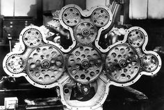 The complex gear-drive arrangement for the camshafts at the rear of the Duesenberg. Motor Engine, Car Engine, Gear Drive, Performance Engines, Love Car, Motor Company, Mechanical Engineering, Dieselpunk, Heavy Equipment