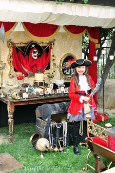 This Kara's Party Ideas featured Pirates of the Caribbean Birthday Party is full of island fun for all ages! Pirate Party Decorations, Pirate Decor, Pirate Theme, Pirate Halloween, Adult Halloween Party, Carribean Party, Pirate Wedding, Captain Jack Sparrow, Pirate Birthday
