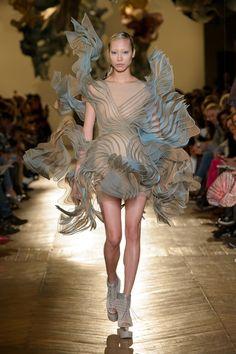 Défilé Iris van Herpen Printemps-été 2018 Haute couture - Madame Figaro