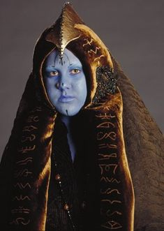 Chi Eekway Papanoida - Daughter of Baron Papanoida who represented the planet Wroona in the Galactic Senate. She appeared in scenes deleted from Revenge of the Sith as one of the senators of the Delegation of 2000.
