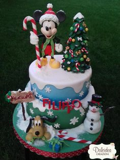 Disney Mickey Mouse Christmas cake by Dolcidea creazioni