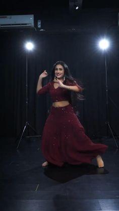 New Dance Video, Wedding Dance Video, Girl Dance Video, Hip Hop Dance Videos, Dance Workout Videos, Dance Music Videos, Dance Choreography Videos, Steps Dance, Cool Dance Moves