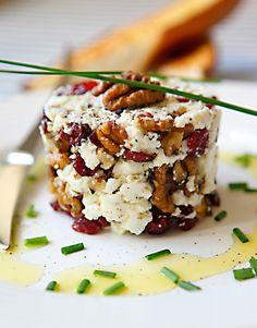 Čerstvý kozí sýr sbrusinkami a vlašskými ořechy, Foto: Michal Šajmir