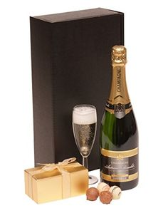 Socially Conveyed via WeLikedThis.co.uk - The UK's Finest Products -   Champagne & Chocolates Gift http://welikedthis.co.uk/champagne-chocolates-gift