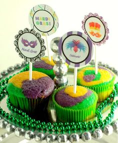 {Sweet Treats} Mardi Gras Cupcakes and Free Cupcake Topper Printable | High/Low Food/Drink