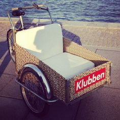 Triporteur Christiania bikes #cargobike Christiania Bike, Bike Pic, Cargo Bike, Burning Man, Transportation, Motorcycles, Wheels, Cool Stuff, Wedding