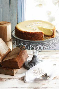 Healthier creamy baked cheesecake | SARIE
