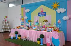 Peppa Pig Birthday Outfit, Pig Birthday Cakes, 2nd Birthday Party Themes, Birthday Party Decorations, Fiestas Peppa Pig, Pig Party, Bubble Guppies Birthday, Ideas Decoración, Party Ideas