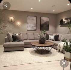 30 Gorgeous Romantic Living Room Decor Ideas - There are dozens of different design styles to choose from when decorating your living room. One thing to remember when decorating your living area is. Romantic Living Room, Small Living Room Decor, Living Room Decor Apartment, Beige Living Rooms, Apartment Living Room, Classy Living Room, Living Room Design Modern, Living Room Decor On A Budget, Elegant Living Room