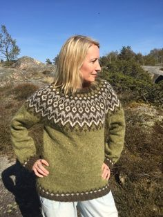 a knit and crochet community Fair Isle Knitting Patterns, Knitting Designs, Knit Patterns, Icelandic Sweaters, Wool Sweaters, Motif Fair Isle, Clothing Photography, Sweater Fashion, Traditional Outfits